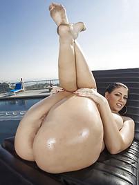 Selena gomez orgasim naked
